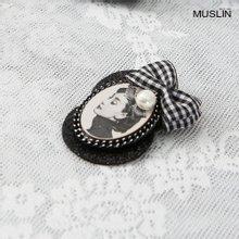 엄마옷 모슬린 앤틱 체크리본 브로치 AC904110
