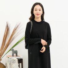 마담4060 엄마옷 가죽배색롱티셔츠-ZTE911035-